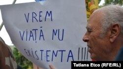 Un protest al pensionarilor la Chișinău