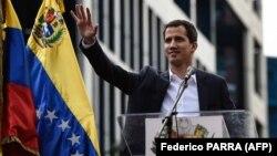 Վենեսուելա - Ընդդիմության առաջնորդ Խուան Գուայդոն հանրահավաքի ժամանակ իրեն ժամանակավոր նախագահ է հռչակում, Կարակաս, 23-ը հունվարի, 2019թ․