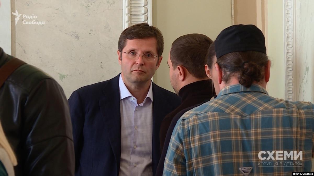 Депутат Холодов пригрозил «Схемам» судом и заявил, что бизнес продал – но не сказал кому