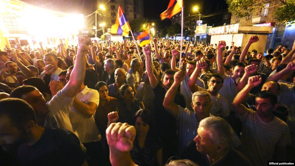 Վարչախումբը դրդում է քաղաքացիներին համաժողովրդական ապստամբության