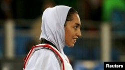 کیمیا علیزاده نخستین مدال زنان ایران در تاریخ المپیک را کسب کرده است.