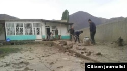 Селевой поток разрушил дома в кишлаке Овчи района Деваштич