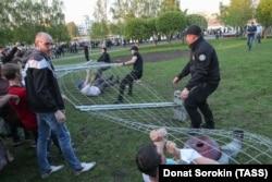 Противостояние в Екатеринбурге, где жители выступали против строительства православного храма в городском сквере. Май 2019 года