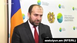 Armenia -- Environment Minister Erik Grigorian speaks to RFE/RL, Yerevan, December 25, 2019.
