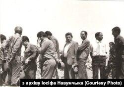 Іосіф Навумчык (у цэнтры) з аўганскімі вайскоўцамі падчас баявой апэрацыі ў правінцыі Вардак
