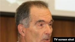 Prof. Peter Derer