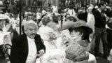 "Норман Мэйлер і яго жонка Норыс у фільме Мілаша Формана ""Рэгтайм"""