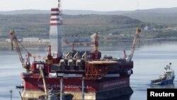 Архівне фото: російська платформа для арктичного видобування нафти