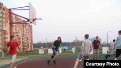 Баскетбол доўгі час быў хобі Віктара