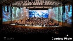 """Orchestra și corul filarmonicii """"George Enescu"""", dirijor Lothar Zagrosek"""