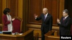Джо Байден (ц) у Верховній Раді України