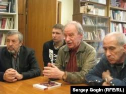 Константин Кедров и его коллеги в российском ПЕН-Центре