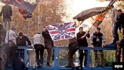 2011-ci il noyabrın 29-da Britaniyanın Tehrandakı səfirliyi etirazçılar tərəfindən talan edilmişdi
