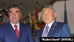 Эмомали Рахмон и Нурсултан Назарбаев. Фото из архива