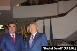 Президент Таджикистана Эмомали Рахмон и президент Казахстана Нурсултан Назарбаев. Душанбе, 2 сентября 2011 года.