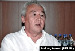 Председатель правления Союза журналистов Сейтказы Матаев. Алматы, 23 августа 2012 года.