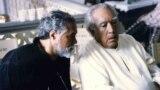 بهمن مقصودلو در کنار آنتونی کوئین