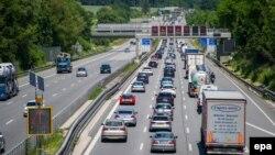 Автобан у Німеччині (фото з архіву)