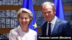 Ursula von der Leyen, candidată la președinția Comisiei Europene și Donald Tusk, președintele Consiliului European, Bruxelles, 4 iulie 2019