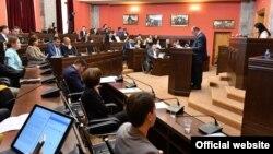 Комитетские слушания доклада Народного защитника продлятся, предположительно, до мая, затем его обсудят на пленарном заседании