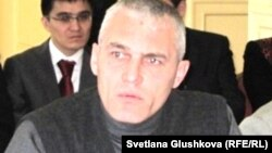 Руслан Оздоев, брат погибшего в тюрьме поселка Долинка заключенного Шамиля Ярославлева. Астана, 23 ноября 2011 года.