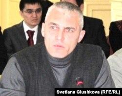 Руслан Оздоев - түрмеде қайтыс болған Шамиль Ярославлевтің ағасы. Астана, 23 қараша 2011 жыл.