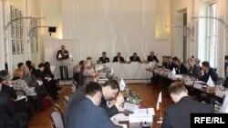 Під час конференції «Роль України в новій структурі Європи». Берлін, 9 березня 2010 року