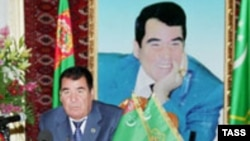 Для всего мира Туркменистан ассоциируется с его единоличным правителем