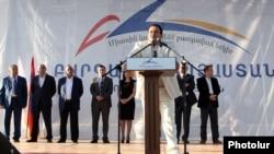 Armenia - Prosperous Armenia Party leader Gagik Tsarukian addresses an election campaign rally in Yerevan, 02May2013.