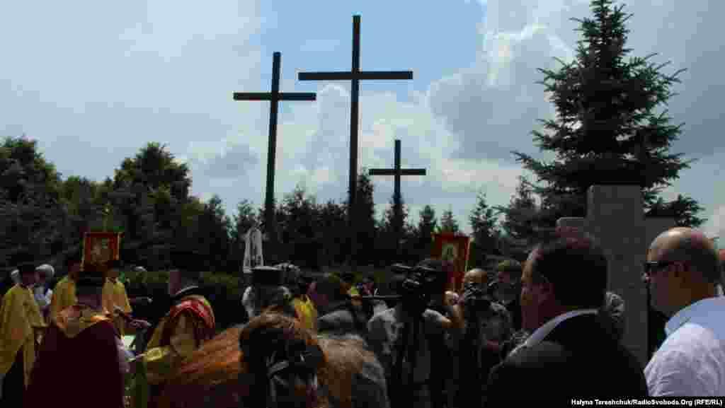 Молитва у селі Павлівка на польському цвинтарі