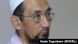 Житель Алматы Сакен Тулбаев, обвиняемый в разжигании религиозной розни и в участии в запрещенной религиозной организации. 27 мая 2015 года.