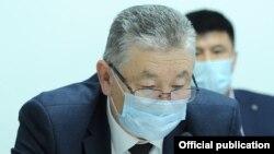 Саламаттык сактоо министринин орун басары Нурболот Үсөнбаев.