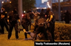 Задержание протестующих в Минске 10 августа