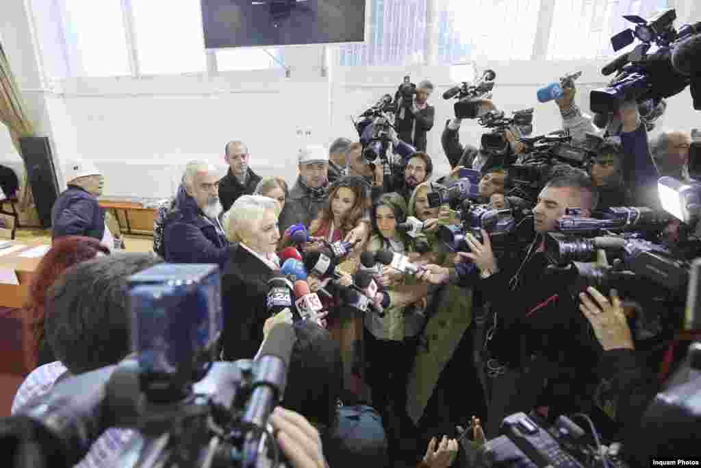 Au susținut referendumul… premierul României, Viorica Dăncilă...