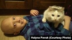 Максим Павук, дитина із рідкісним захворюванням
