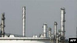 «شرکت نفت اتریش به عنوان تنها شرکت بزرگ اروپایی در نمایشگاه بینالمللی نفت تهران شرکت میکند.»