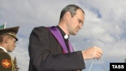 В этом году, по прогнозам представителей польской католической церкви, за границу могут направиться около полутысячи ксендзов