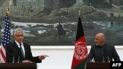 Ашраф гани жана Чак Хайгел. Кабул, 6-декабрь, 2014-жыл
