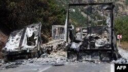 Ենթադրաբար ՔԲԿ զինյալների կողմից այրված բեռնատար, Թուրքիա, 2-ը օգոստոսի, 2015թ․