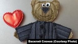 Ватный медведь Василия Слонова