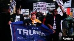 Иллюстративное фото. Митинг сторонников Трампа на Таймс-сквер, 8 ноября 2016 года