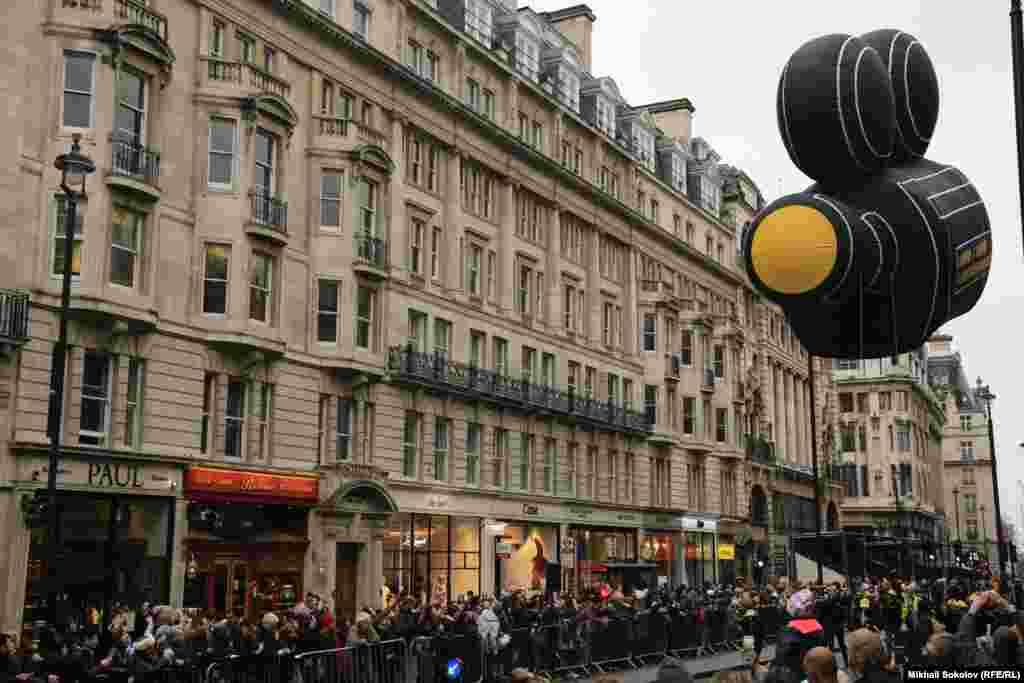 Лондонский новогодний парад 1 января 2017 г.