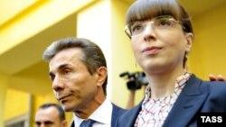 Грузия премьер-министрі Бидзина Иванишвили мен оның әйелі Эка Хведелидзе. Тбилиси, 1 қазан 2012 жыл.