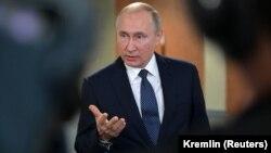 Президент Росії заявив, що утримався б від санкцій «із поваги до грузинського народу»
