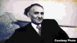 """صورة تاريخية للجواهري الكبير """"في خمسينات القرن الماضي .. معالجة الفنان عباس الكاظم"""
