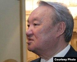 «Әділет» партиясының төрағасы Мақсұт Нәрікбаев.