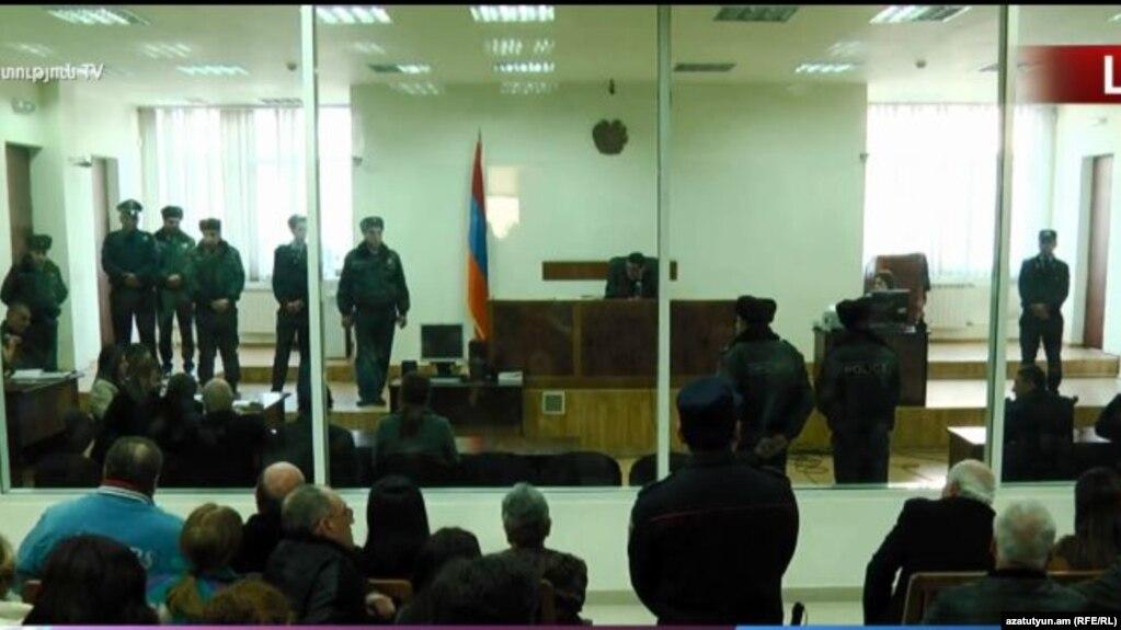 Ինձ թվում է Տեփանոսյանի վրա կրակել են ՊՊԾ գնդի տարածքից. ոստիկանի ցուցմունքը