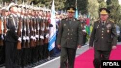 İranın müdafiə nazirinin Bakıya rəsmi səfəri, 19 aprel 2006