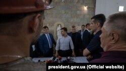 Президент України Володимир Зеленський на шахті «Лісова» у Львівській області, де загинули двоє гірників