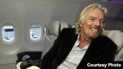 Virgin Galactic асосчиси Ричард Брэнсон.